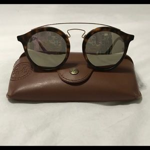 Ray Ban Gatsby! Gold mirrored ! Great condition!